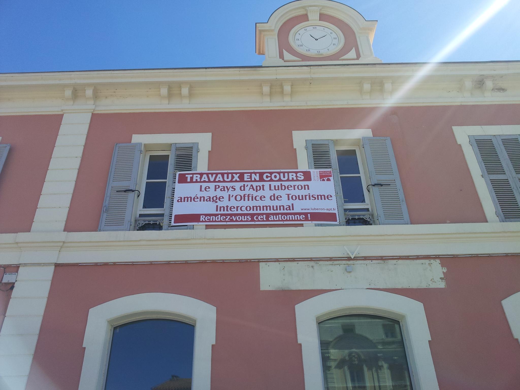 Office du tourisme luberon pays d 39 apt - Bonnieux office de tourisme ...